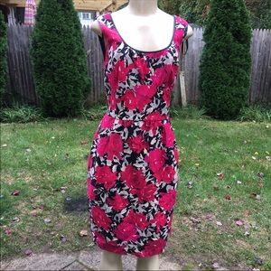 DONNA RICO Size 10 Sleeve less floral mid